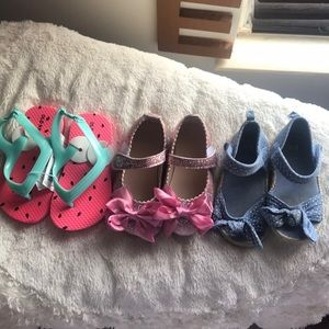 New and barely used toddler girl shoes
